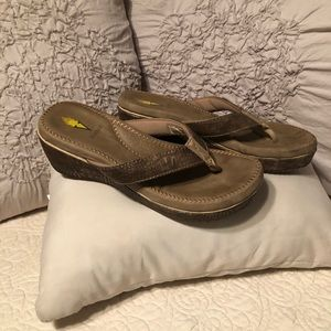 Volatile Ladies Sandals, Wedges, Size 9, Brown/Tan